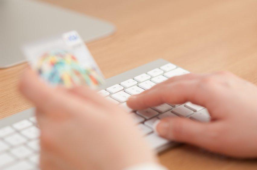 How does online transaction work via credit card
